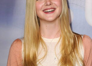 Elle Fanning Dyed Her Trademark Platinum Hair — See Her Dramatic New Look! (VIDEO)