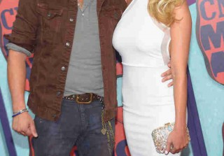 Jason Aldean Engaged to Brittany Kerr (UPDATE: See Her Ring!) (VIDEO)
