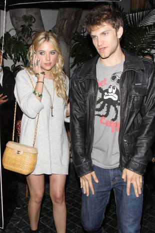 Who is Ashley Benson dating? Ashley - Whos Dated