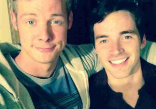 Pretty Little Liars Season 5 Finale Spoilers — What Is Andrew Doing With Ezra?! (PHOTO)