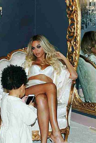 w310_Beyonce-With-Blue-Ivy-Again-1391643312