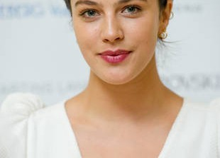 Lady Sybil's New Role — Jessica Brown Findlay to Star in CW Show!