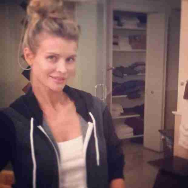 Joanna Krupa Goes Makeup Free In Gorgeous Selfie Photo