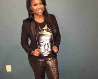 w310_Kandi-Burruss-Wears-Glitter-Pants-For-a-Night-Out-1391723905