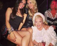 w310_Karent-Sierra-and-Joanna-Krupa-in-the-Club-1393069146