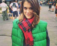 w310_Lindsey-Shaw-on-Set-Pretty-Little-Liars-Christmas-Episode-1405100980