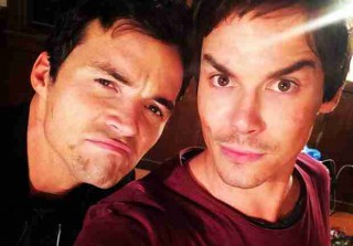 Pretty Little Liars Spoilers: First Look at Caleb and Ezra\'s Bromance (PHOTO)