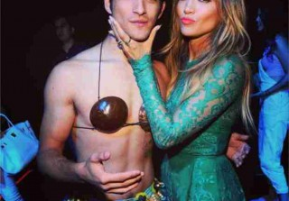 Jennifer Lopez Reunites with Maid in Manhattan Costar Tyler Posey on Stage (VIDEO)