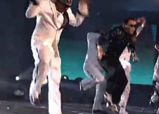 Watch PSY and MC Hammer Do Gangam Style at 2012 American Music Awards (VIDEO)