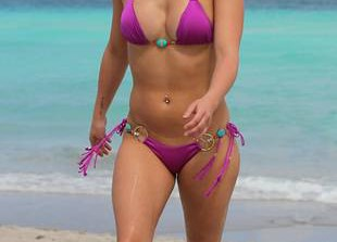 Hayden Panettiere Wears Tiny Bikini, New Diamond Ring in Miami