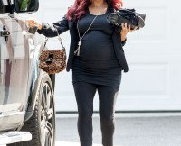 Snooki and Jionni seen leaving their house in New Jersey
