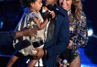 Was Having Jay Z and Blue Ivy Present Beyoncé With a VMA Too Forced?