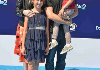 Molly Ringwald Brings Her Kids to Dolphin Tale 2 Premiere — See How Big They Are! (PHOTO)