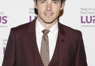 Ian Harding Steps Out For Gala to Support the Lupus Foundation of America (PHOTOS)