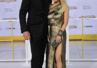 Jessica Simpson Flaunts Amazing Legs in Sky-High Slit at Hunger Games Premiere (PHOTOS)