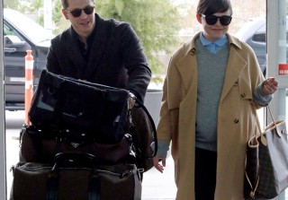 Pregnant Ginnifer Goodwin Waddles Baby Bump Through Airport With Josh Dallas (PHOTOS)