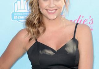Ashley Benson Wins Choice Summer TV Actress, Thanks Fans — \