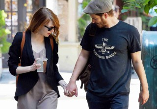 Emma Stone and Andrew Garfield Kiss and Hold Hands in NYC — Cute Couple Alert! (PHOTOS)