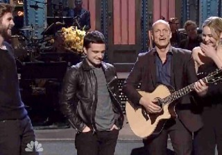 Watch Jennifer Lawrence, Liam Hemsworth, Josh Hutcherson Crash Woody Harrelson\'s SNL Monologue (VIDEO)