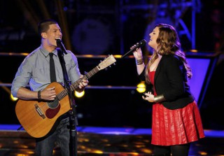 "Duncan Kamakana and Sarah Simmons Sing ""Wanted You More"" on The Voice 2013 Battle Rounds (VIDEO)"