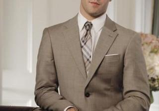 Revenge Season 2: Daniel Grayson Crossdresses?! (PHOTO)