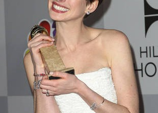 Hollywood Gossip Roundup For January 14:  Anne Hathaway Is NOT Pregnant, and Kate Middleton's Baby Is Due When?