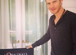The Originals: Joseph Morgan Flashes a Smile Behind the Scenes (PHOTO)