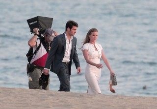 Revenge Season 3: Emily VanCamp and Josh Bowman's Romantic Beachside Scene (PHOTOS)