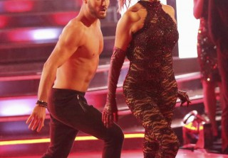 Elizabeth Berkley Eliminated on Dancing With the Stars Season 17 in Week 9