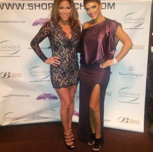w630_Jennifer-Dalton-Poses-With-Teresa-Giudice--3151957240987944358