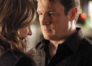 Will Castle and Beckett Kiss Underneath the Mistletoe in Season 5, Episode 9: \