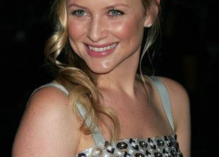 Exclusive! Jessica Capshaw Weighs in on the (Possible) Final Season of Grey\'s Anatomy