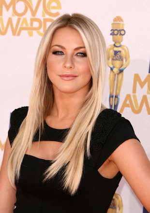w310_Julianne Hough at MTV Awards