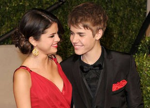 Justin Bieber and Selena Gomez Reunite After American Music Awards