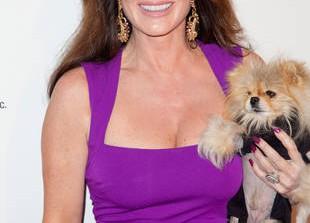 Real Housewives\' Lisa Vanderpump Brings an Animal to Portia Umansky\'s Birthday Party (VIDEO)