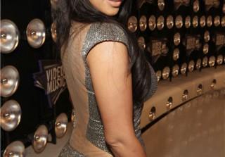 Kim Kardashian Is Stunning in Silver at the 2011 MTV Video Music Awards