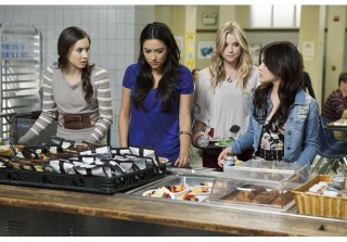 OMG! PLL Producer Confirms: We\'ve Already Met \'\'A\'\'