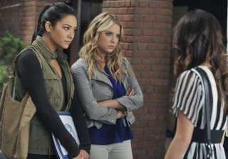 Pretty Little Liars Fashion: Get Emily\'s Military Chic Outfit From Season 2, Episode 17