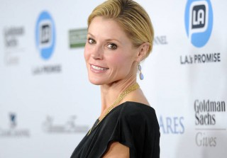 Modern Family Exclusive: Julie Bowen Talks Claire Dunphy\'s Political Career