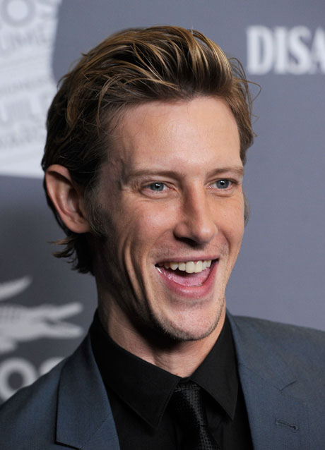 Is Revenge S Gabriel Mann Gay You Asked We Answered