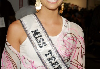 Teen With a Tiara: Shelley Hennig\'s Pageant Past