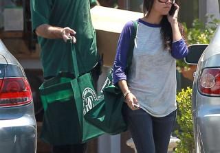 Kourtney Kardashian Dresses Down for a Shopping Trip