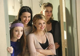 Abc Family Cancels Ballerina Drama Bunheads After One Season On The Air