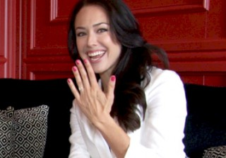 One Tree Hill\'s Lindsey McKeon Exclusively Reveals She\'s Engaged!