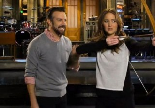Jennifer Lawrence Is as Awesome as Ever in New SNL Promos (VIDEO)