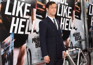 Swoon-Worthy Photos of Joseph Gordon-Levitt at the Premium Rush Premiere! (PHOTOS)