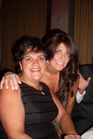 w630_Kathy-Wakile-Poses-with-Her-Sister-Rosie-Pierri--882013331718345220