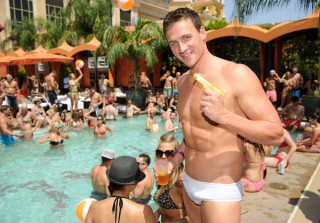 Pool Party! Ryan Lochte Shows Off His Guns in Vegas (PHOTO)