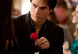New Interview! Kevin Williamson on Damon\'s Shower Scenes and Elena\'s Romantic Future