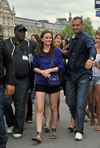 'Gossip Girl' on Location in Paris - July, 5th